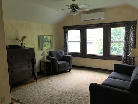 Warm and Spacious Apartment in Downtown Corvallis