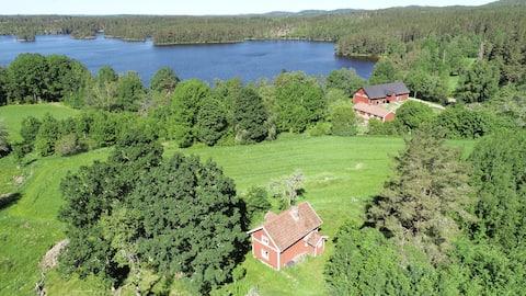Vakantiehuisje dicht bij het meer en wandelpaden