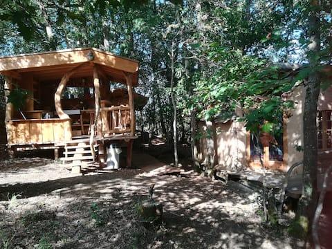 Gîte insolite avec piscine naturelle et sauna