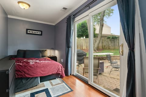 Beautiful 1 bedroom with great view, private entry