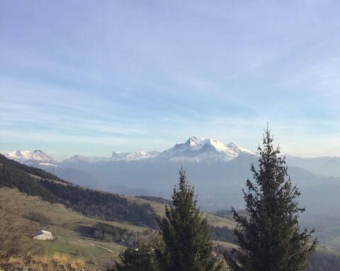 Studio en montagne 1500 m. Vue panoramique
