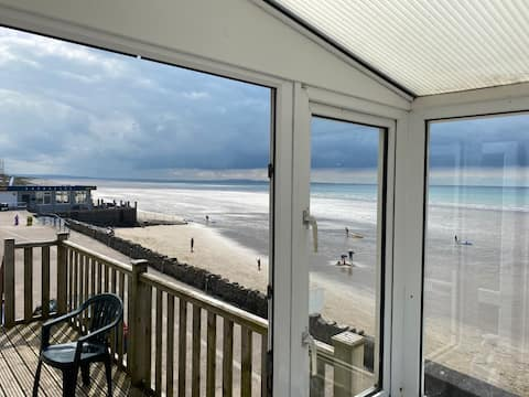 Seafront Flat With Stunning View