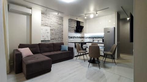 Downtown Modern Apartment