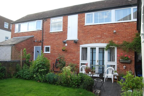 Luxury 2 bedroom self catering central Worcester
