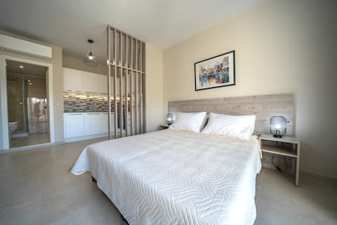"""""""LargaStrada"""" Suite II in the heart of Old Town"""