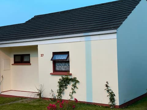 Cosy 2 Bed Bungalow in beautiful fishing town