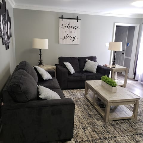 Camdyn's Place. Cozy  Comfy 3 Bedroom with 2 Bath