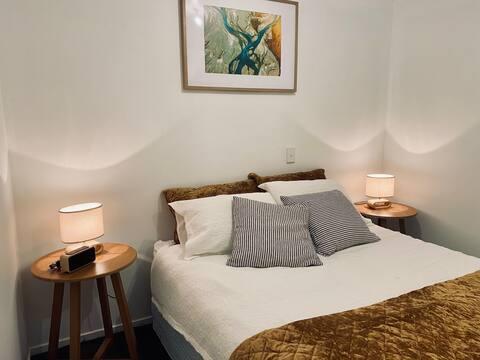 Routeburn Retreat  ★Modern 1 bedroom apartment★