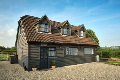 Detached 2 Bedroom country Holiday Let in Dorset