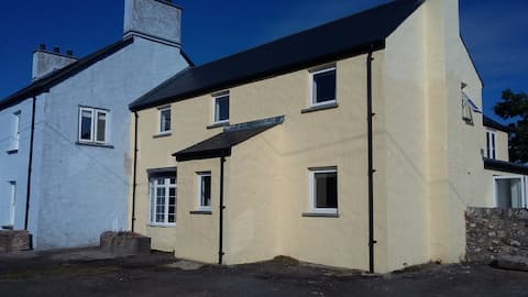 Bright, spacious, cottage, with sea views.