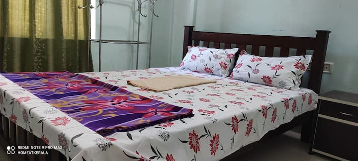 3 bed furnished flat in Kochi daily weekly rental