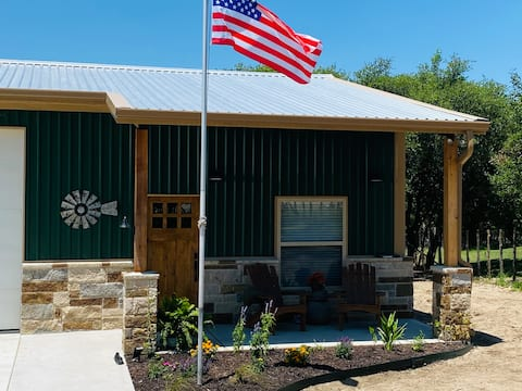 Lookout Guest House:  One bedroom, country-living