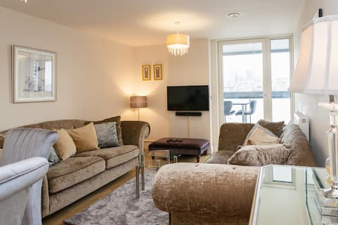 Beautiful Greenwich flat with river Thames views