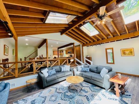 Fully Renovated Cabin, Lake Access, Kayaks & More
