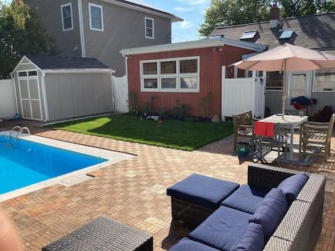 Shore Cottage: Comfy Inside, Cool Pool Outside