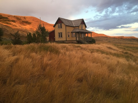 Cypress Hills/Brady Coulee Vacation Rental