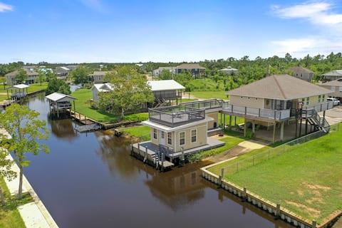 AMAZING Waterfront Property! Check description!!