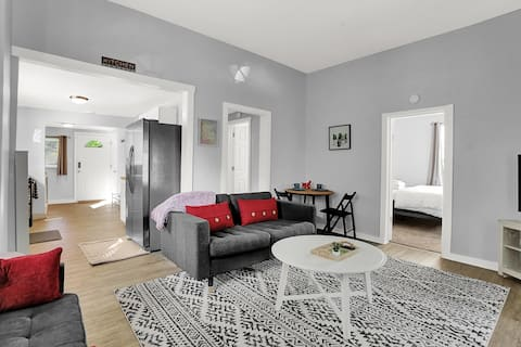 Cozy Remodeled Home Near Butler & Downtown