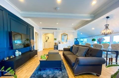 Penthouse Apartment just minutes from Nimman.