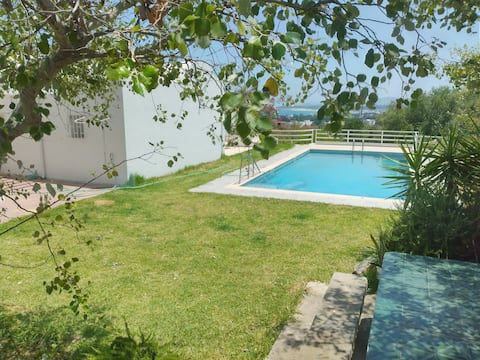 Villa avec piscine et vue sur mer à Cap Zebib