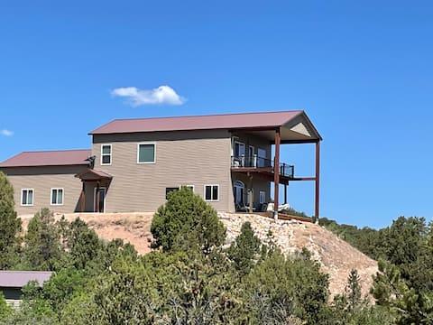 Beautiful 4 Bed Mountain home on Tabiona Mountain