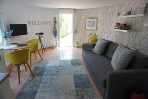 Lovely 1 bedroom apartment overlooking golf course