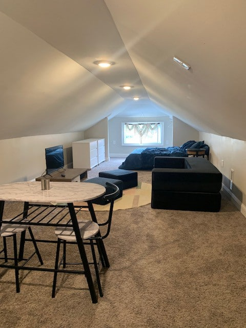 Lovely loft apartment with free parking