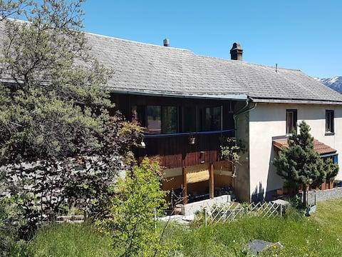 Casa Carla: Wohnen im hübschen Bündner Bergdorf