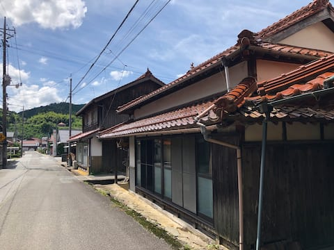重要伝統的建造物群保存地区にある歴史的な古民家で「古き良き日本」を体感