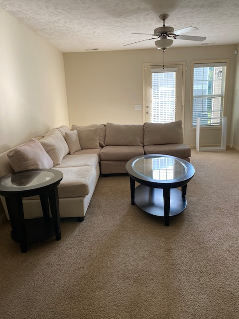 Amazing 2Bd 2Ba apartment with FREE parking
