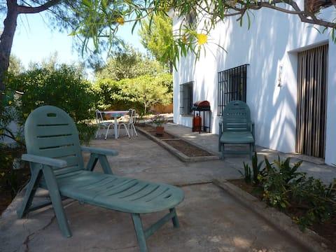 Tranquillo appartamento con piscina e giardino