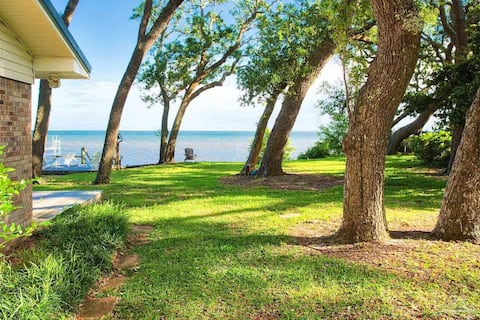 Waterfront Cottage-15 mins from the beach