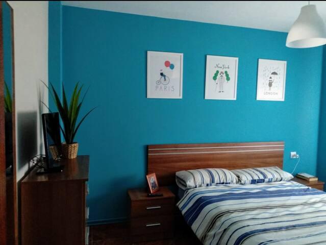Dormitorio 1. Cama de 1,5m