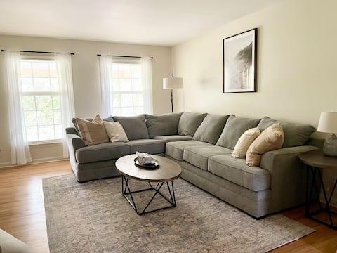 Newly styled 2 bedroom getaway!