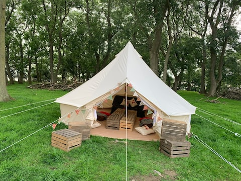 'Poppy' Bell Tent in Wooded Spinney @ Radmore Farm