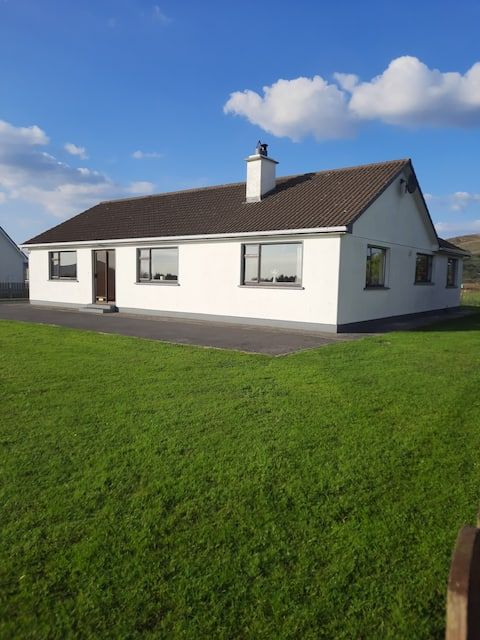 * NEW LISTING *4 bedroom house * Louisburgh *