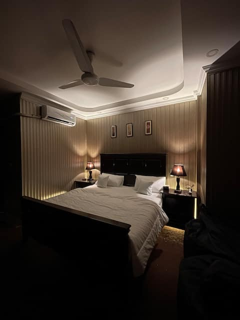 Executive 2 rooms suite in the center of Lahore