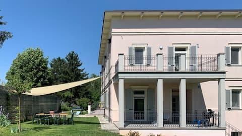 Appartamento in villa con vista sulle colline