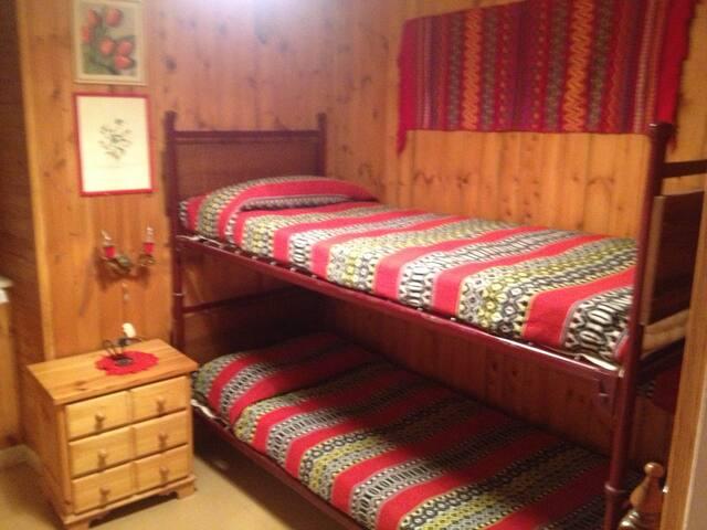 prima camera con letto a castello