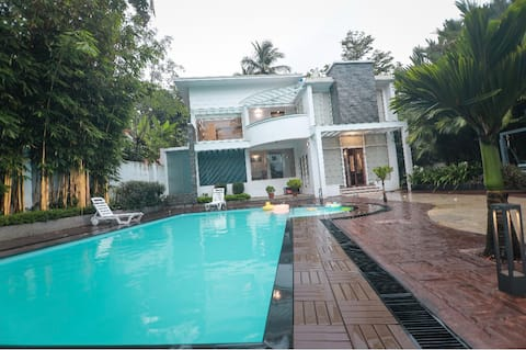 Luxury 1 Bed Room Villa with  Private Pool