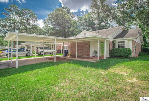 2-bedroom residential home with screened in patio.