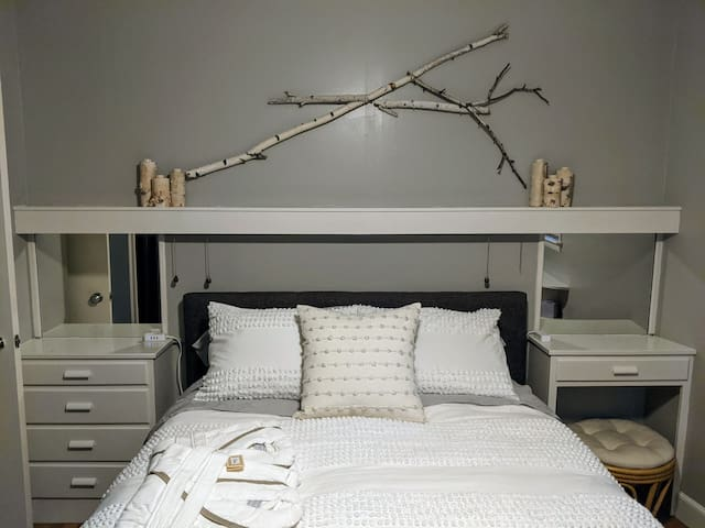 The birch room- relaxation, serenity, and romance.