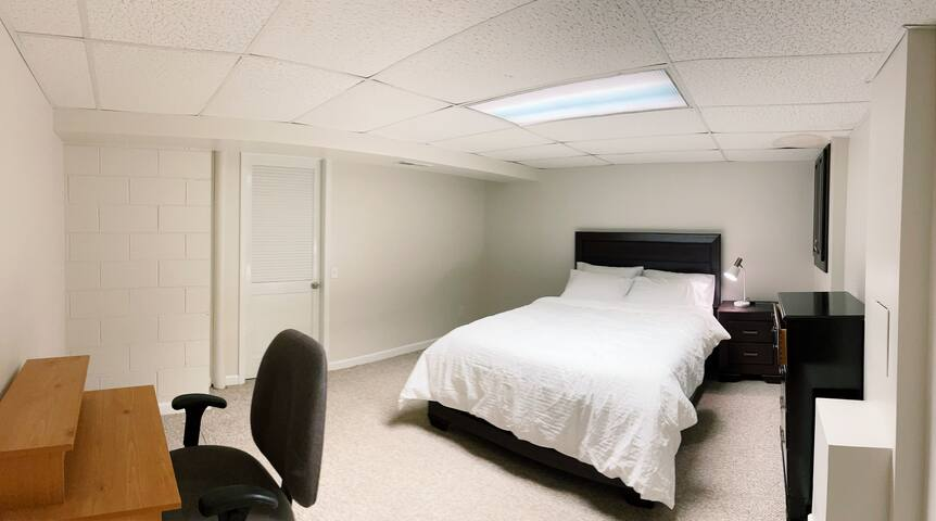 #BedroomInBasement#Isolate#Quiet#Soft&Warm