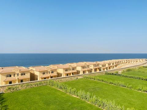 Telal Ain Sokhna- Entire Luxury Sea-view Villa