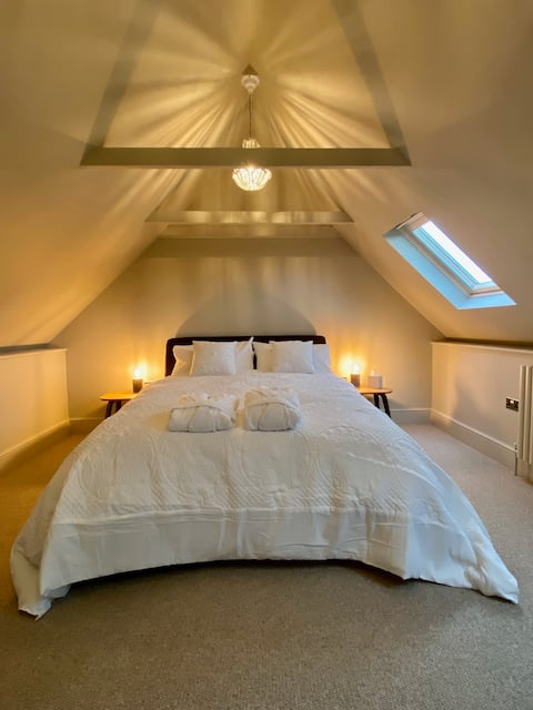Frome Brewhouse - luxury barn in central Frome