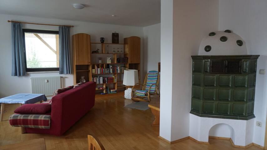 Wohnzimmer mit Kachelofen!