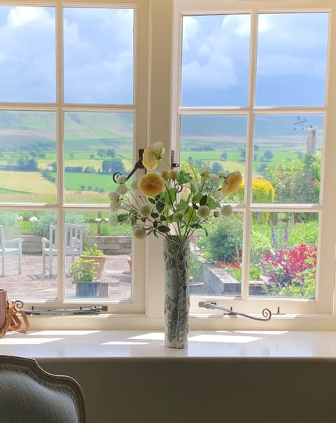 Cosy cottage Yorkshire Dales with stunning views