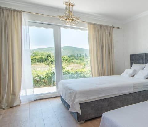 Tiny guest house in peaceful part of Međugorje