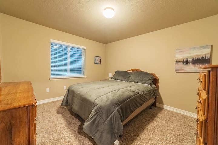 Bedroom #3 - Queen Bed, chest of drawers, dresser, & walk-in closet.