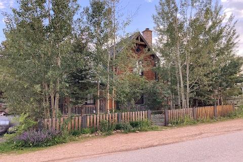 Charming Beautiful Home on Boulder Creek